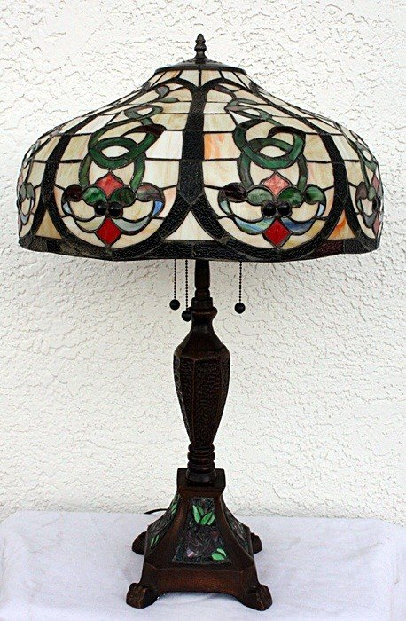 2J: Ornate table lamp