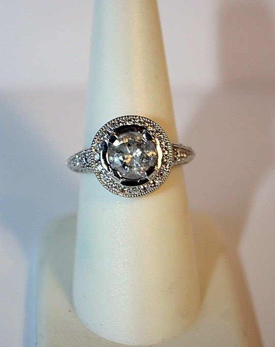 6J: Ladie's 14k White Gold Diamond Ring