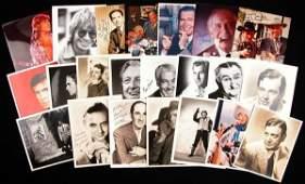 0890: 22 ACTORS/ENTERTAINERS SIGNED PHOTOGRAPHS