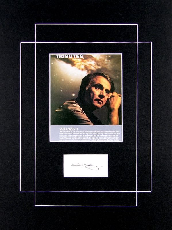 0329: CARL SAGAN SIGNED CARD W/IMAGE DISPLAY