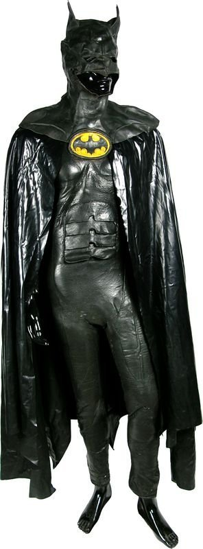 0675: BATMAN RETURNS STUNT BATMAN SUIT