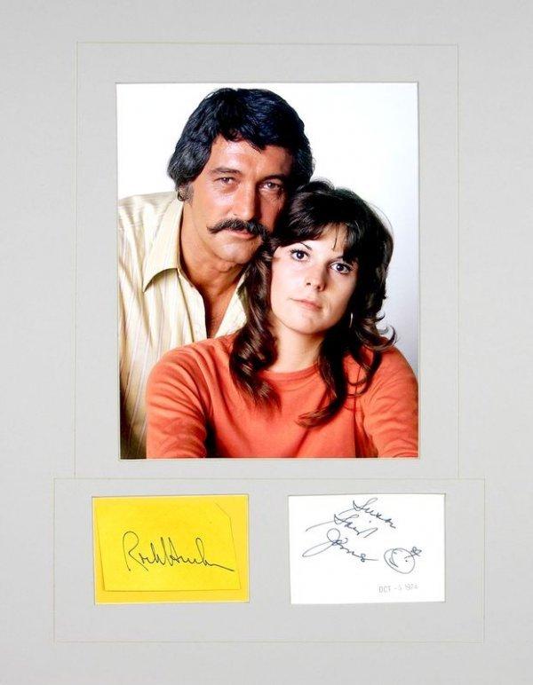 0825: ROCK HUDSON /SUSAN ST. JAMES SIGNED CARDS W/PIC