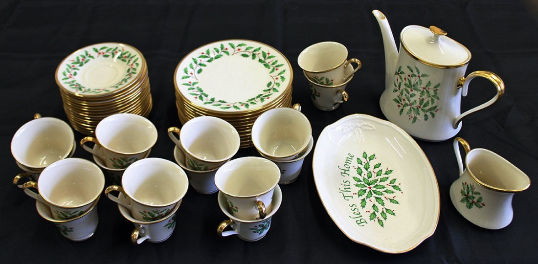 LENOX HOLIDAY CHINA - 46 PIECES