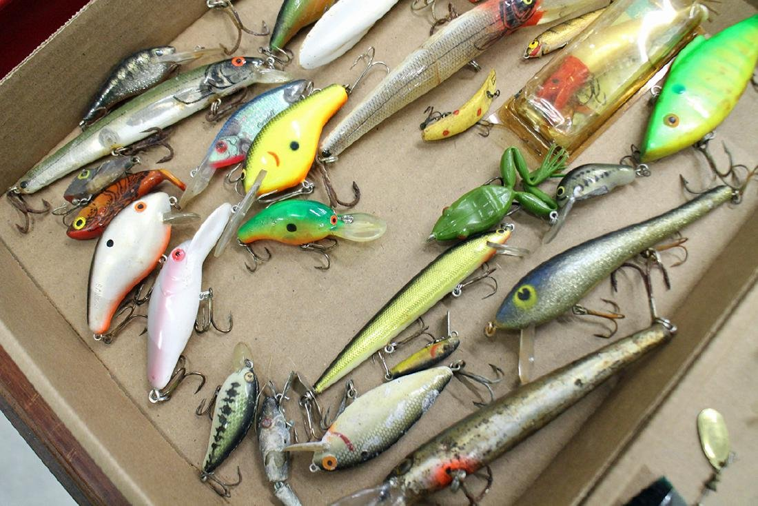 VINTAGE FISHING LURE COLLECTION - 6