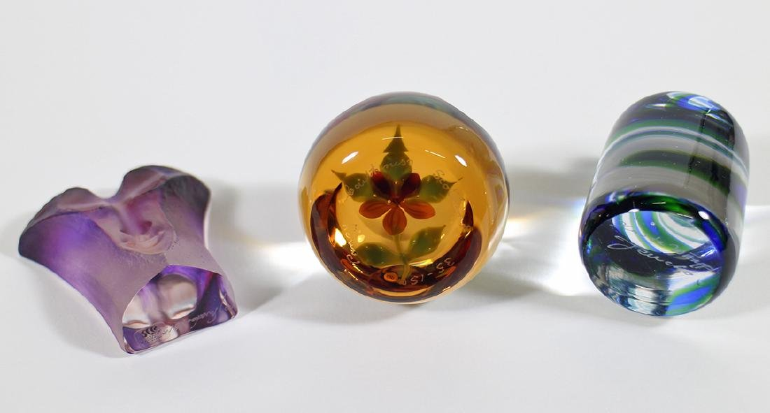 ART GLASS PAPERWEIGHTS & MORE - 4
