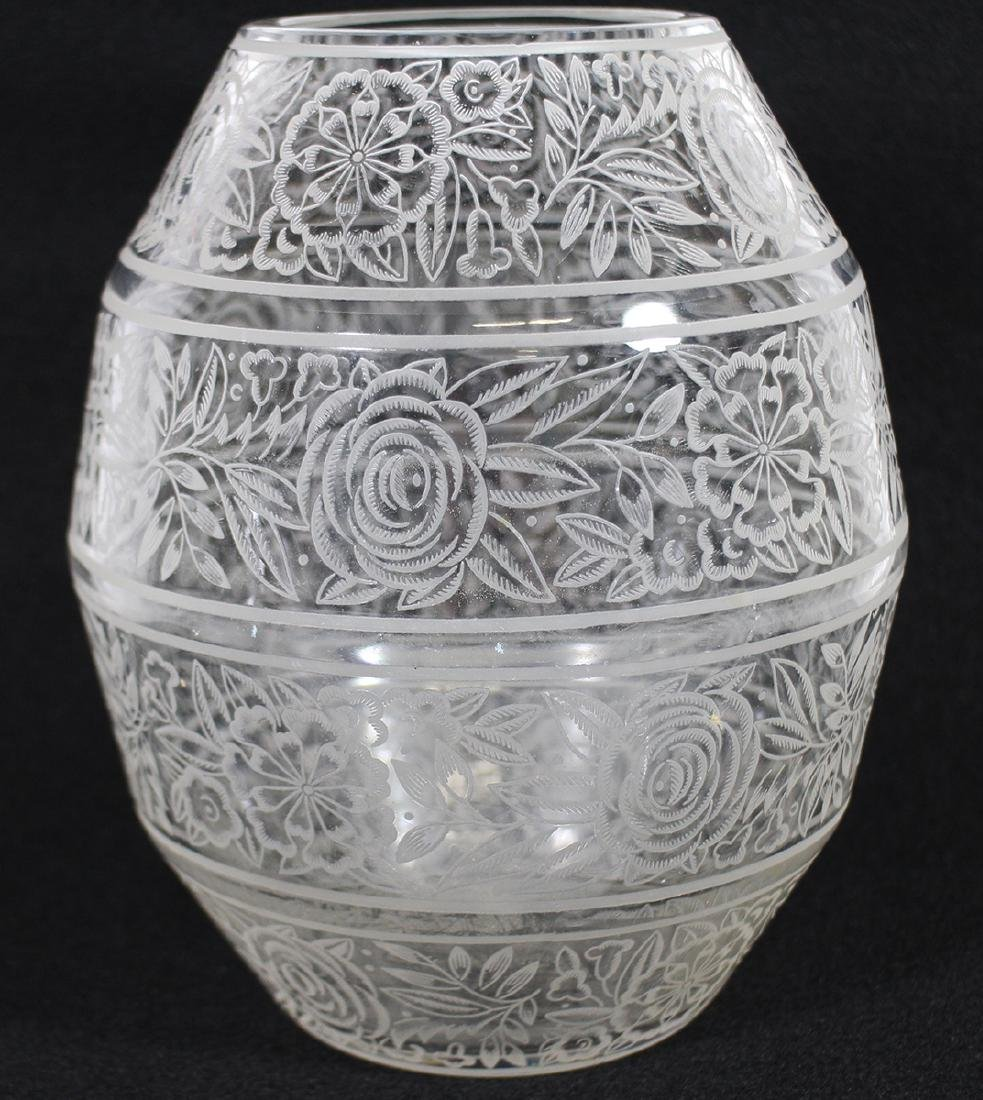 19th CENTURY ETCHED BACCARAT CRYSTAL VASE - 2