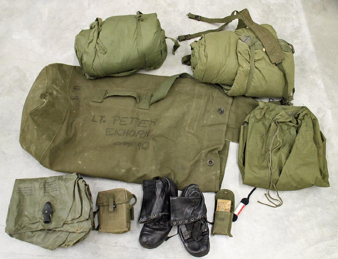 POST WWII US ARMY DUFFLE BAG & ACCESSORIES