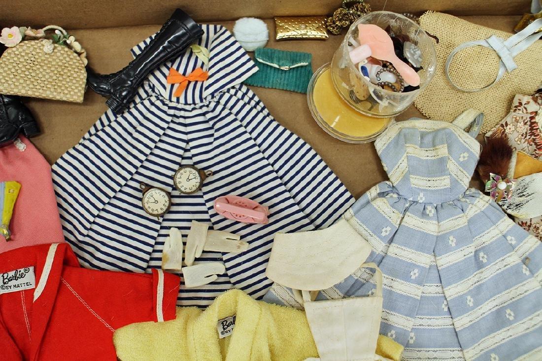 VINTAGE 1960's BARBIE CLOTHES, ACCESSORIES & CASE - 3