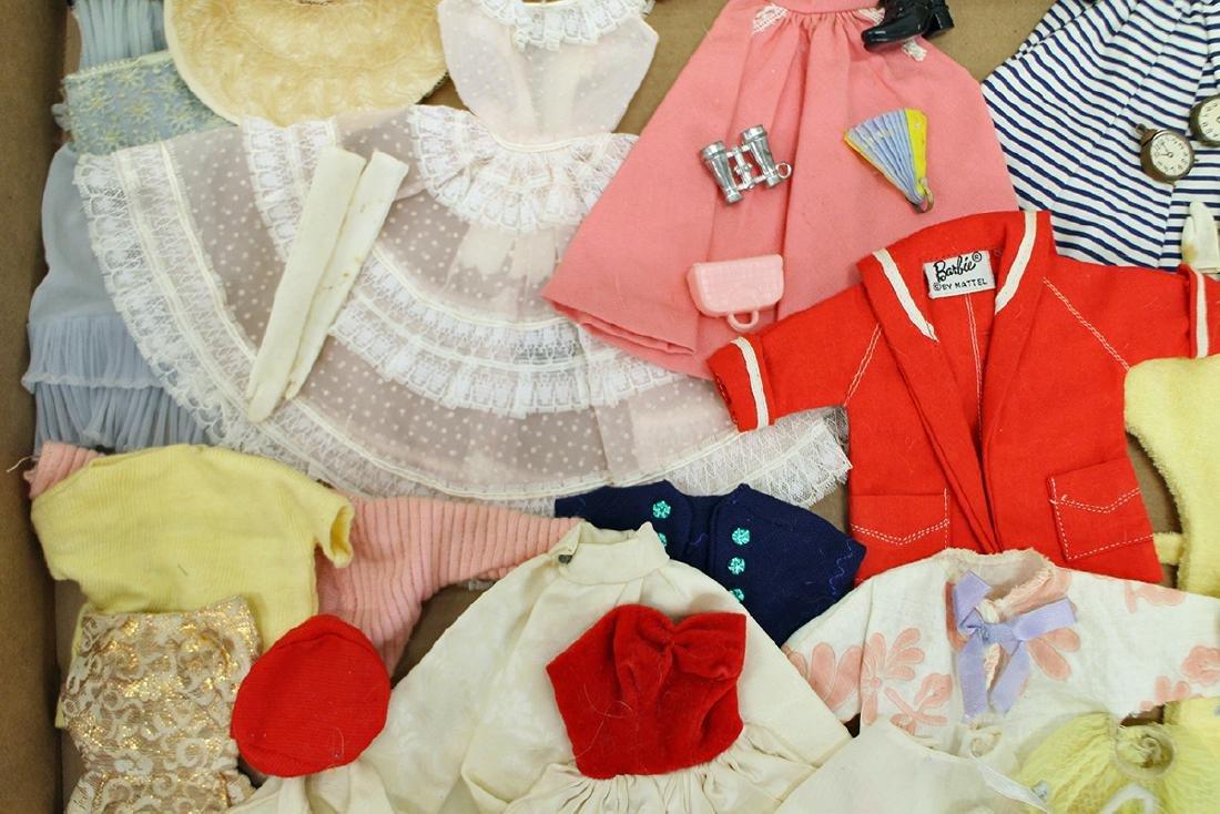 VINTAGE 1960's BARBIE CLOTHES, ACCESSORIES & CASE - 4