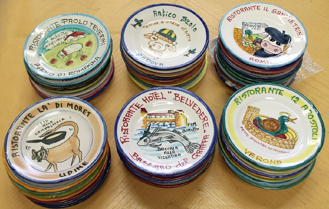 50 HAND PAINTED ITALY RESTAURANT DINNER PLATES