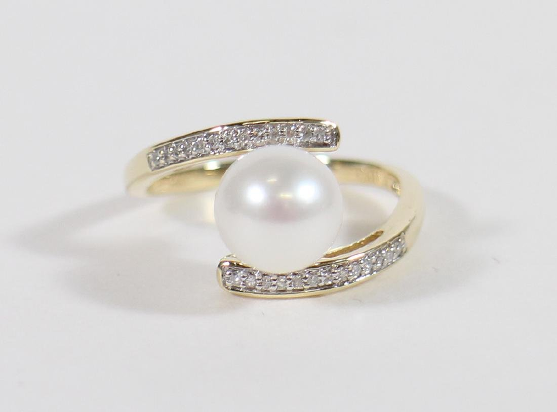 MODERNISTIC 14KT PEARL & DIAMOND RING