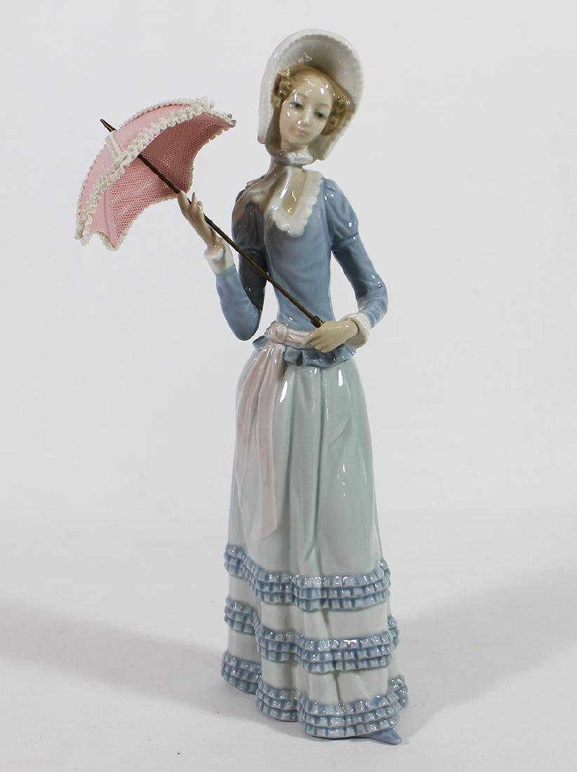 LLADRO LADY WITH PARASOL FIGURINE W/ BOX