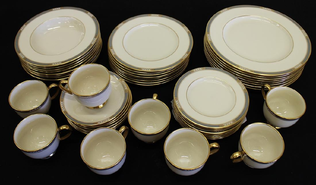 LENOX MCKINLEY PRESIDENTIAL CHINA - SERVICE FOR 8