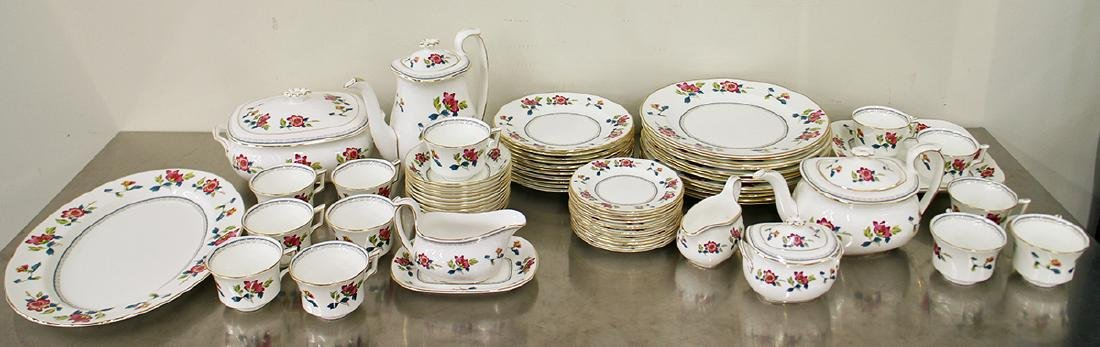 68 PIECE WEDGWOOD CHINESE FLOWERS CHINA SET
