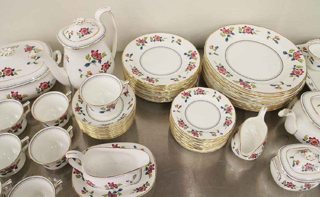 68 PIECE WEDGWOOD CHINESE FLOWERS CHINA SET - 4