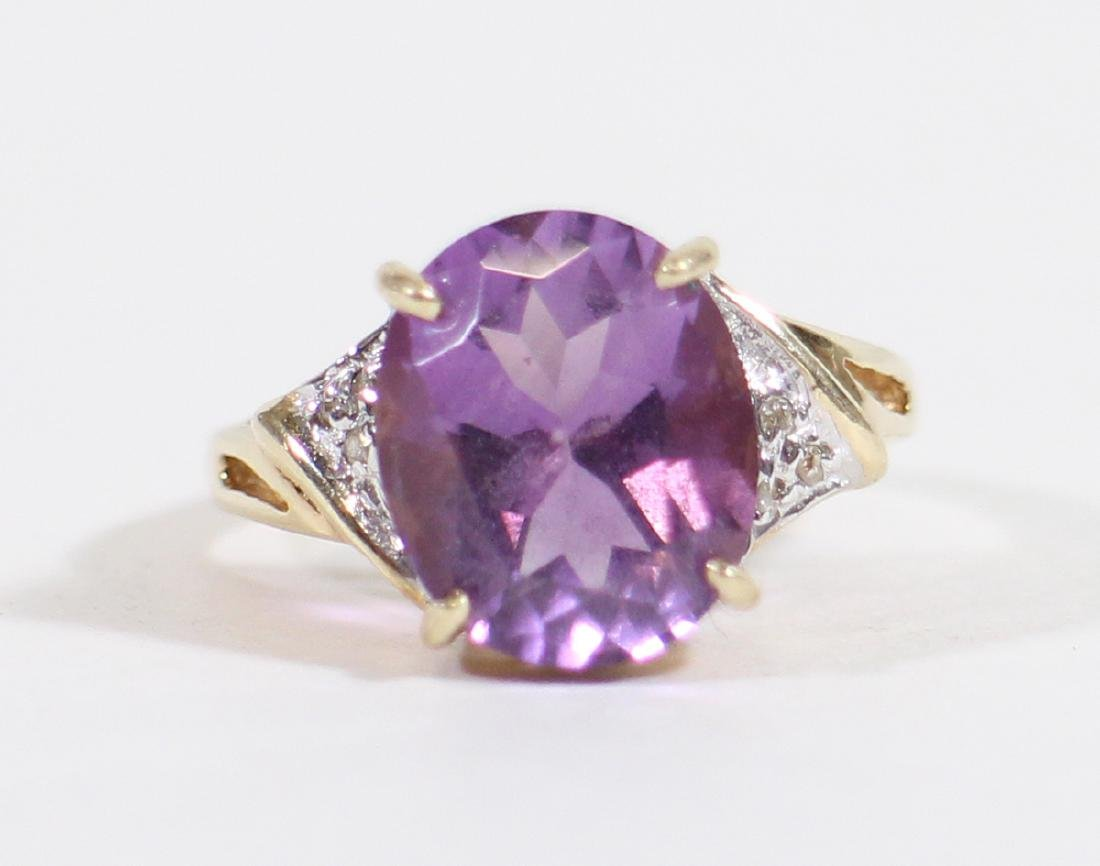 10K GOLD 4 CARAT AMETHYST & DIAMOND RING