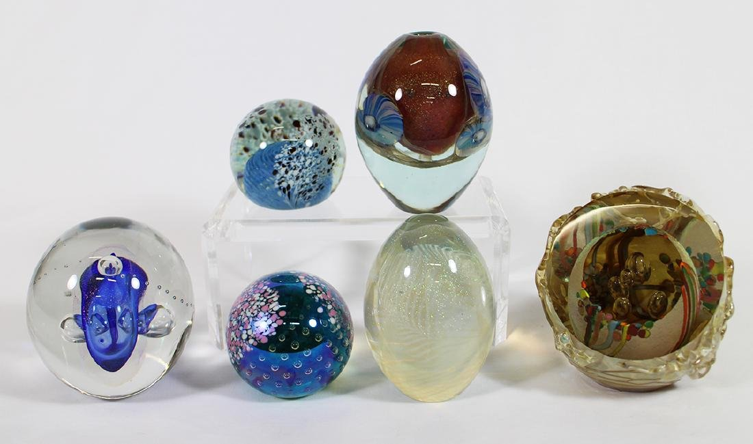 (6) SIGNED ART GLASS PAPERWEIGHTS