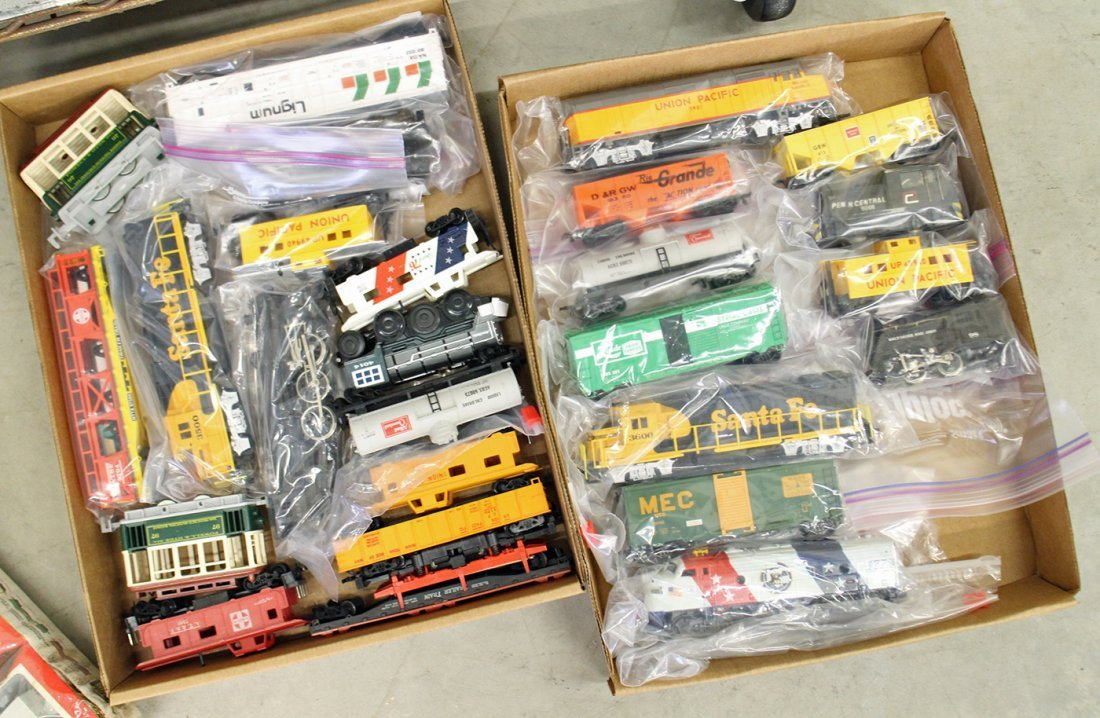 LARGE TRAIN COLLECTION & ACCESSORIES - 2