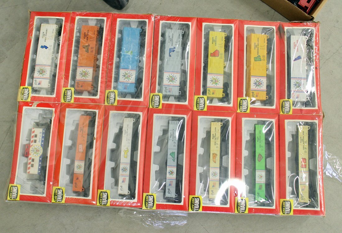 LARGE TRAIN COLLECTION & ACCESSORIES - 3