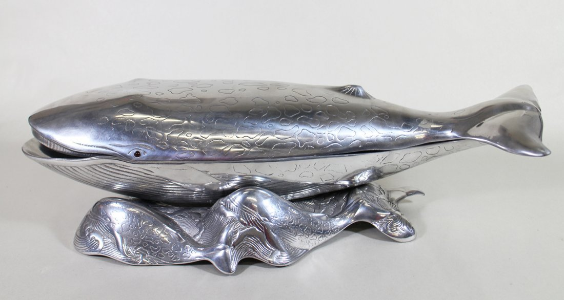 ARTHUR COURT COVERED WHALE SERVING DISH