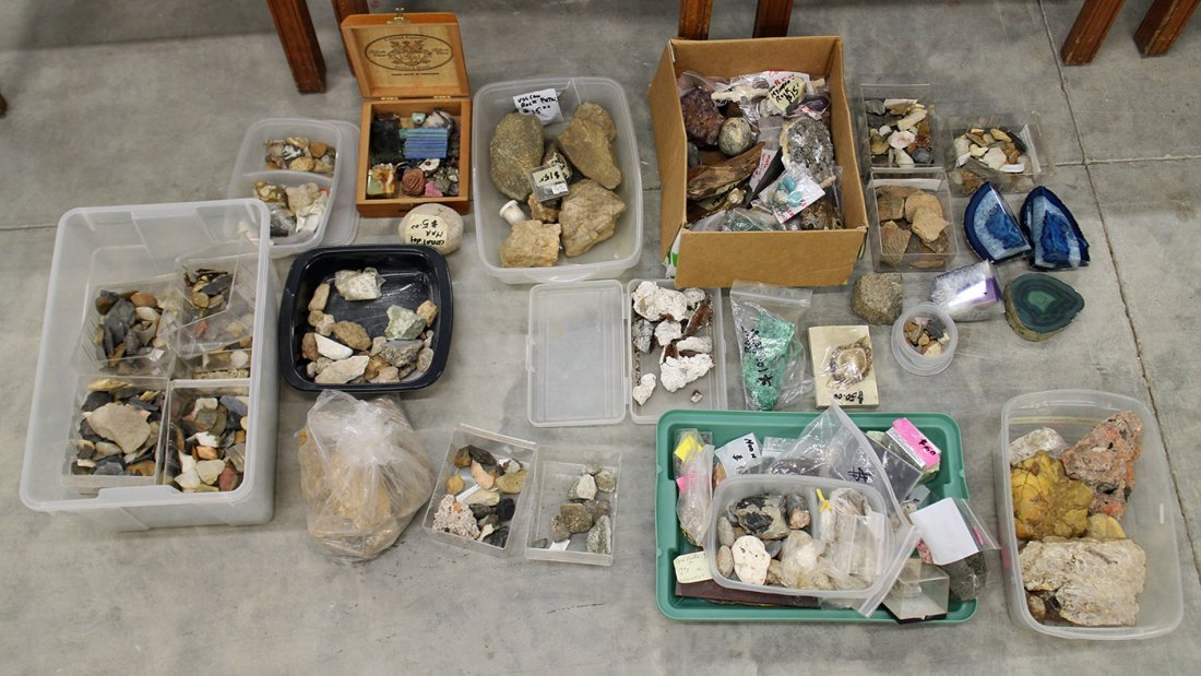LARGE COLLECTION OF GEODES, ROCKS, & FOSSILS