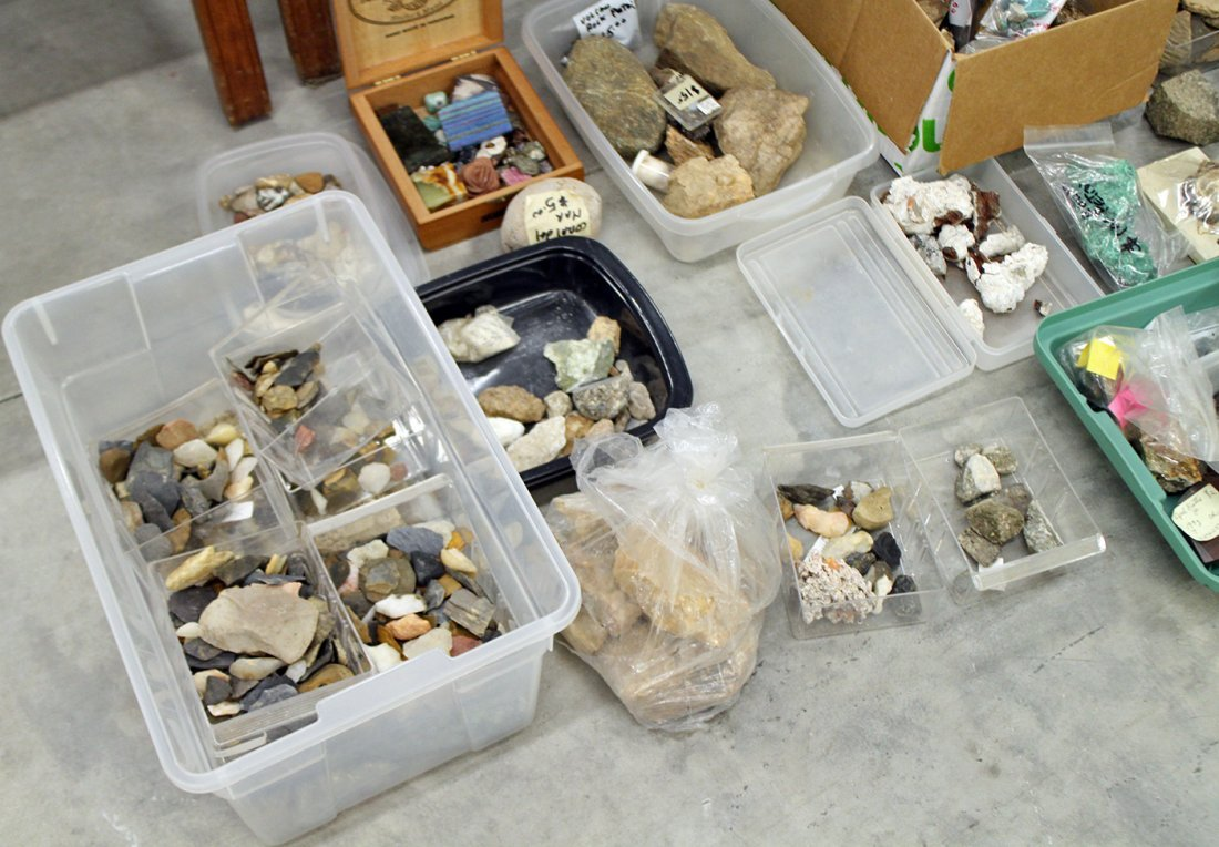 LARGE COLLECTION OF GEODES, ROCKS, & FOSSILS - 2