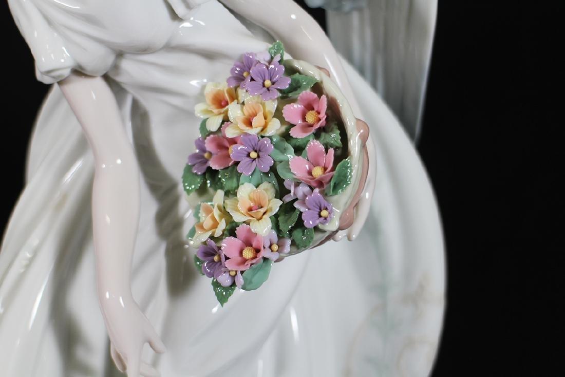 LLADRO FLOWERS OF PEACE FIGURINE - 3