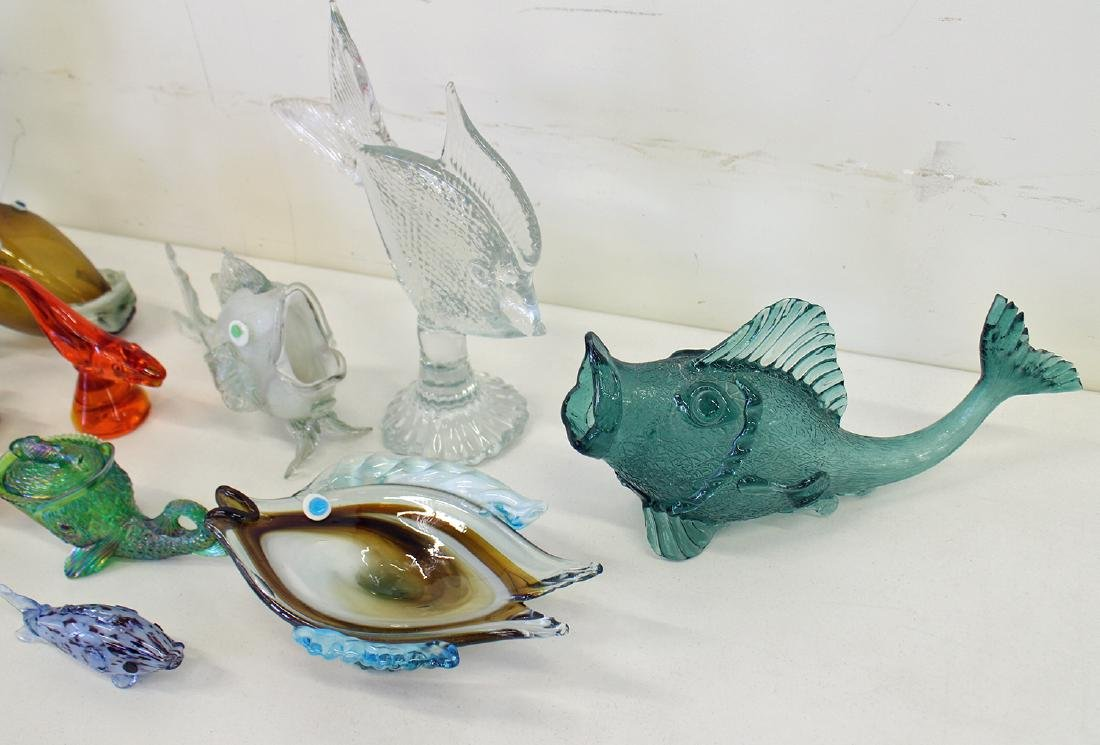 VINTAGE BLOWN ART GLASS FISH COLLECTION - 4