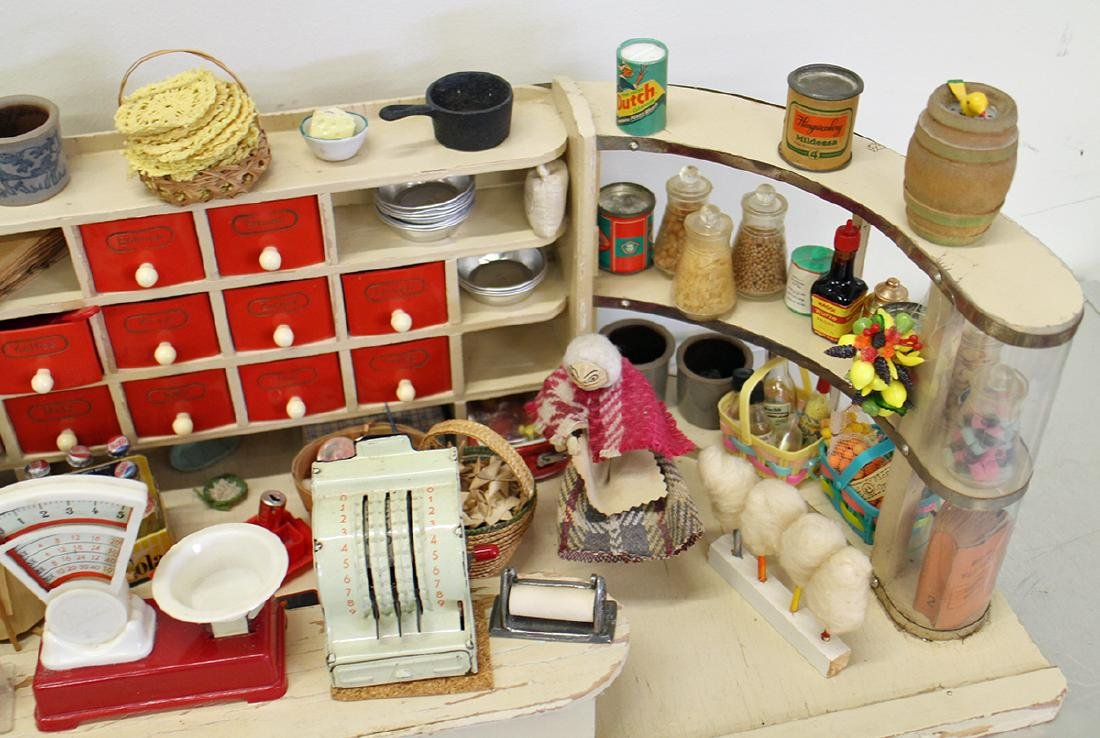 VINTAGE 1950's GERMAN TOY GROCERY STORE DOLLHOUSE - 4