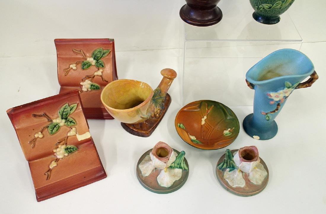 ROSEVILLE POTTERY ASSORTED COLLECTION - 3