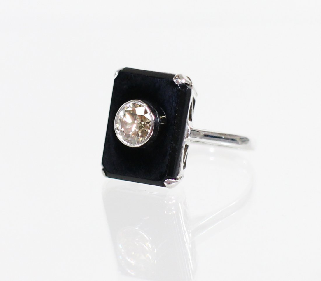 18KT ART DECO SPINNING DIAMOND & ONYX RING - 2