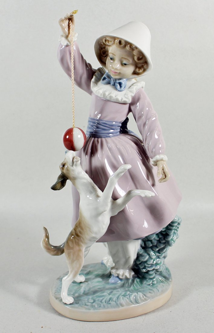 LLADRO TEASING THE DOG FIGURINE