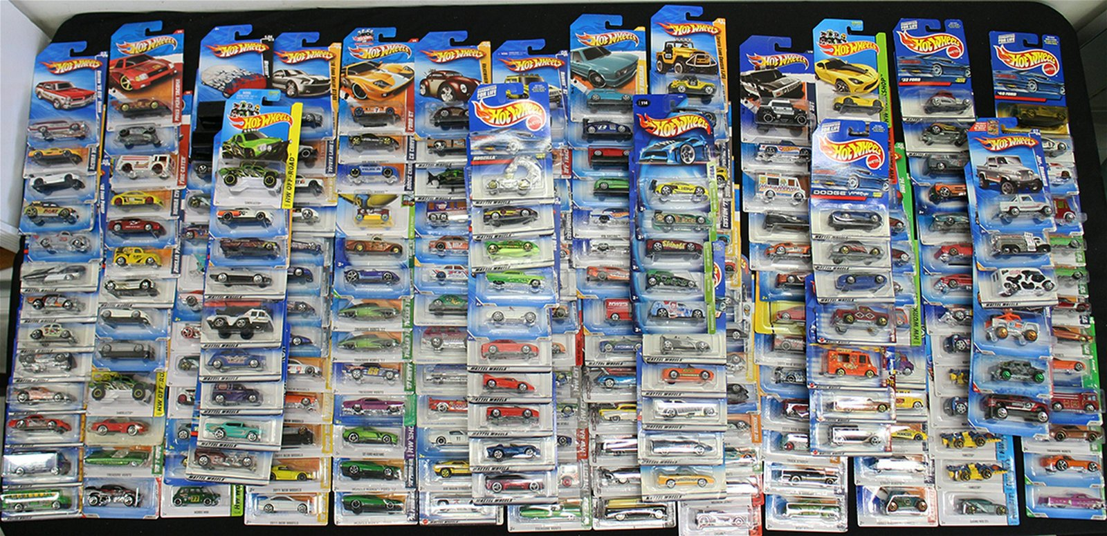 250+ HOT WHEELS DIECAST CAR COLLECTION