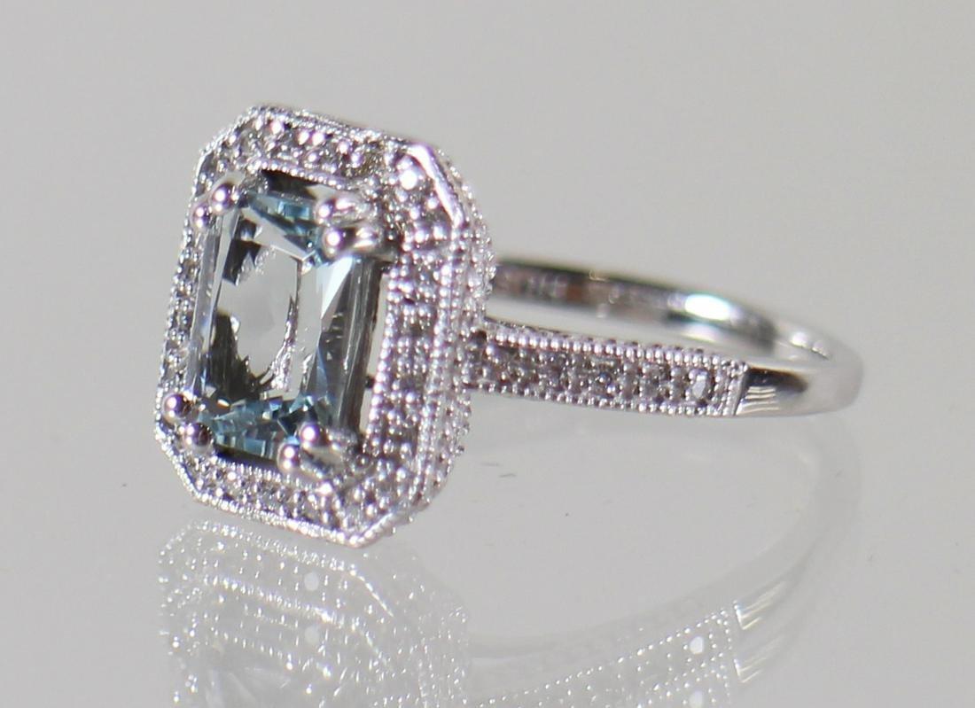 14KT AQUAMARINE & DIAMOND RING