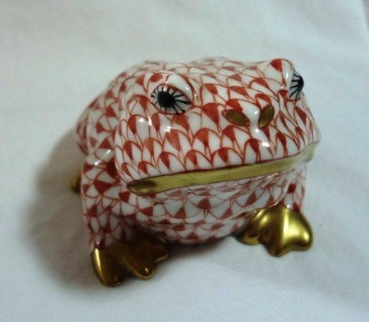 4: Red Fishnet Herend Frog