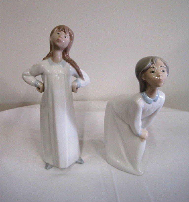 19: Pair of Lladro Figures