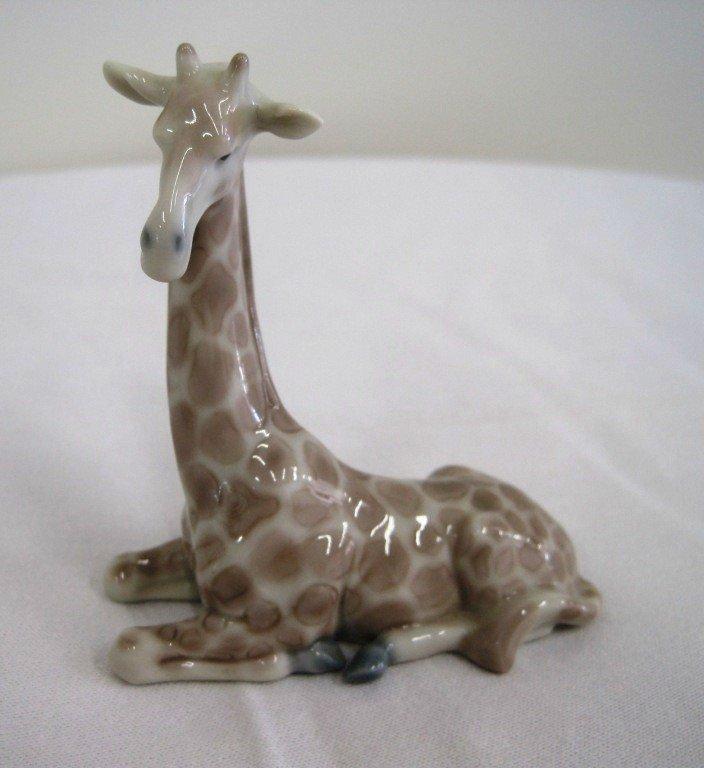20: Lladro Giraffe