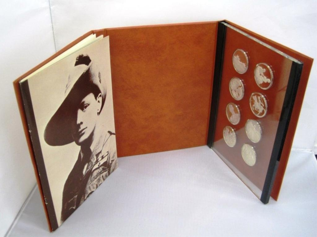 325: WINSTON CHURCHILL STERLING SILVER COIN SET