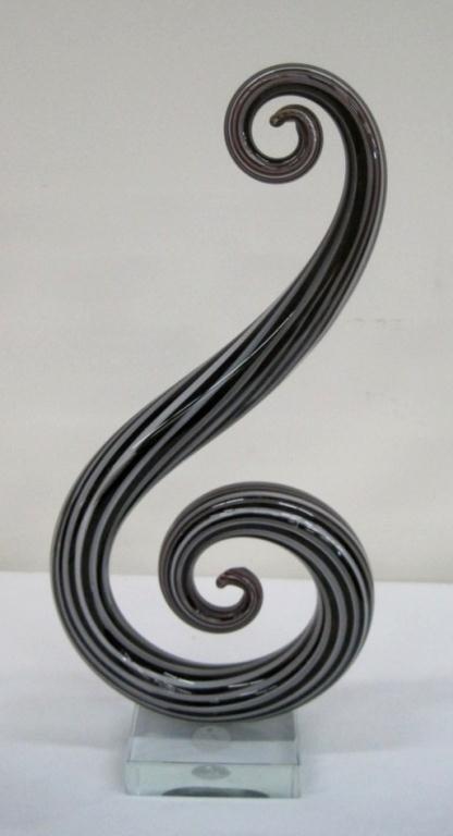 95: MURANO BLACK SWIRL VASE