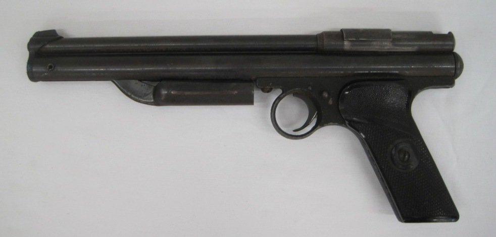 112: CROSMAN 130 PELLET GUN