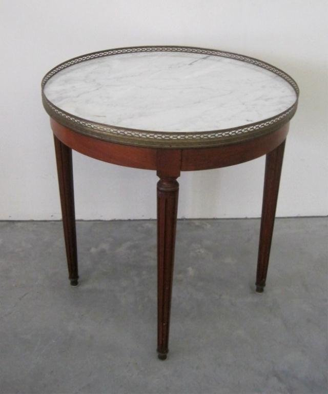 21: MARBLE ROUND TOP TABLE