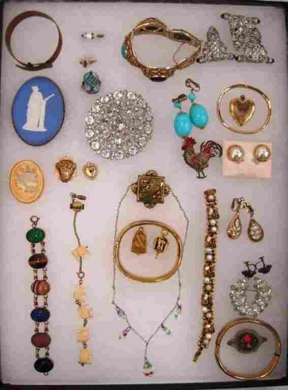 ASSORTED VINTAGE COSTUME JEWELRY LOT