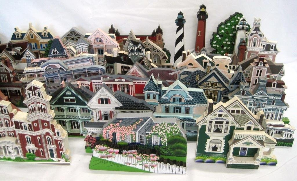 SHEILA'S COLLECTIBLE HOUSE COLLECTION - 44 HOUSES - 2