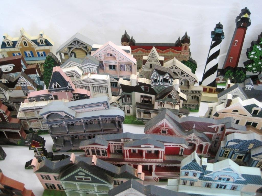 SHEILA'S COLLECTIBLE HOUSE COLLECTION - 44 HOUSES - 5