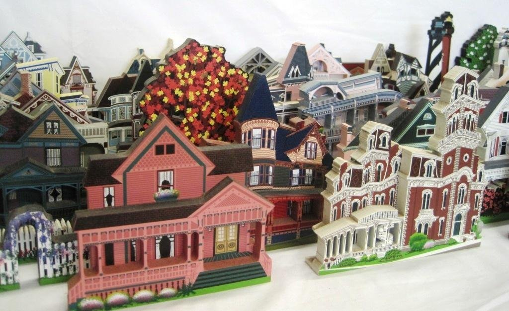 SHEILA'S COLLECTIBLE HOUSE COLLECTION - 44 HOUSES - 6