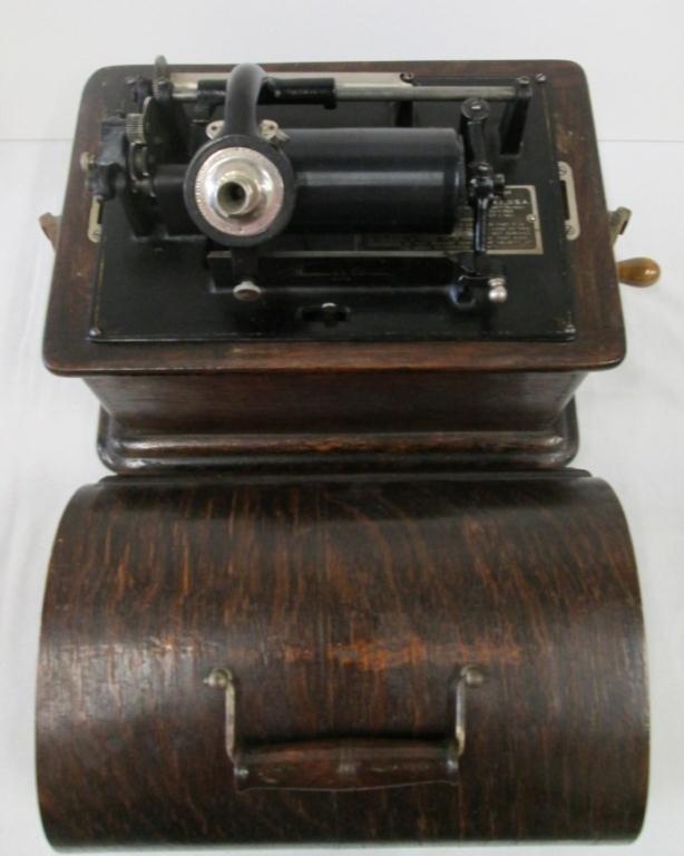 ANTIQUE EDISON PHONOGRAPH PLAYER - 2