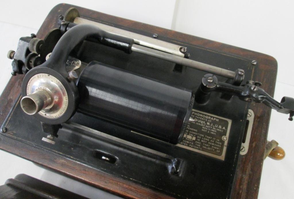 ANTIQUE EDISON PHONOGRAPH PLAYER - 5