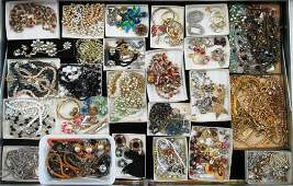 LARGE VINTAGE COSTUME JEWELRY COLLECTION