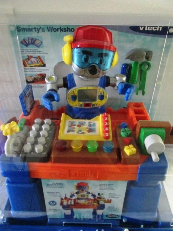 VTECH ROBOT STORE DISPLAY