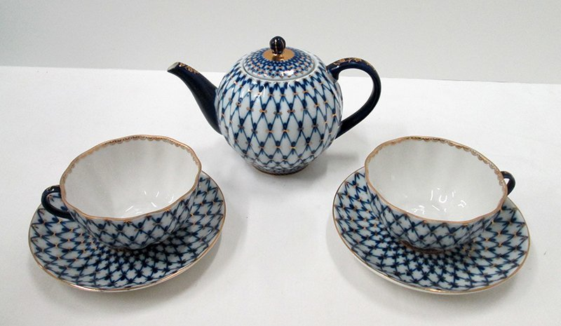 LOMONOSOV RUSSIAN TEA POT & CUPS